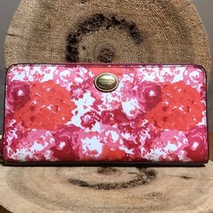 NWT COACH Peyton Floral Print Accordion Zip Wallet